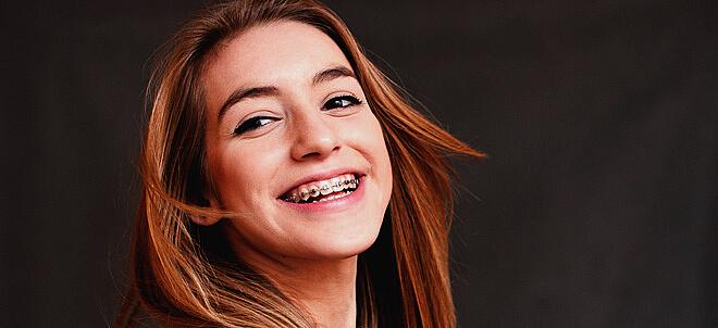 Лингвальная брекет-система: зубы выравниваются, как по волшебству