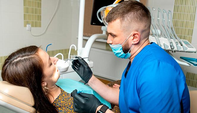 Зубні імпланти встановлення