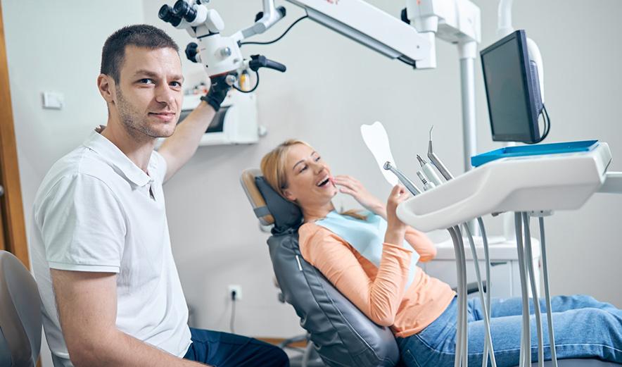 Лікування стоматиту у клініці