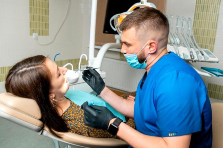 Які бувають зубні імпланти
