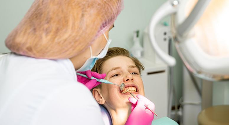 Як видалити зубний камінь