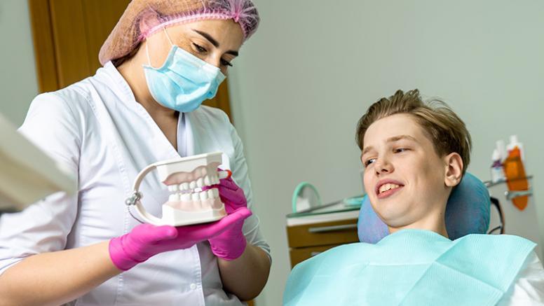 Від чого залежить колір зубів